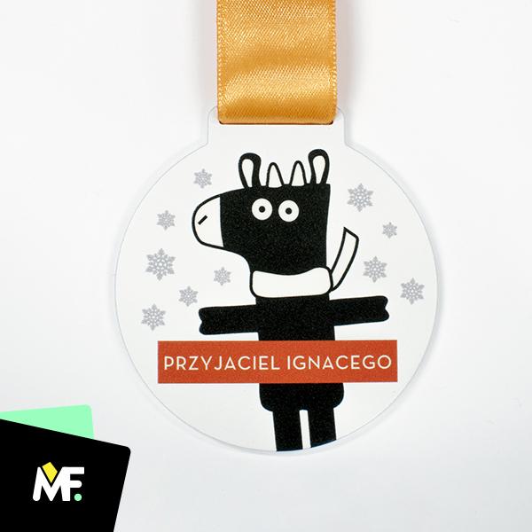 Personalisierte Medaille für ein Kind